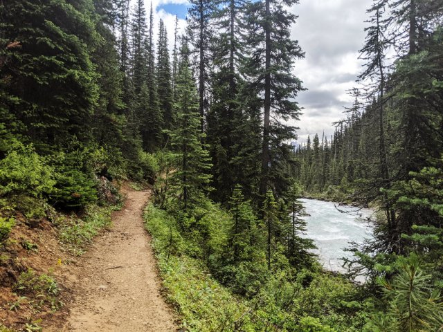 Continuing along towards Twin Falls campground