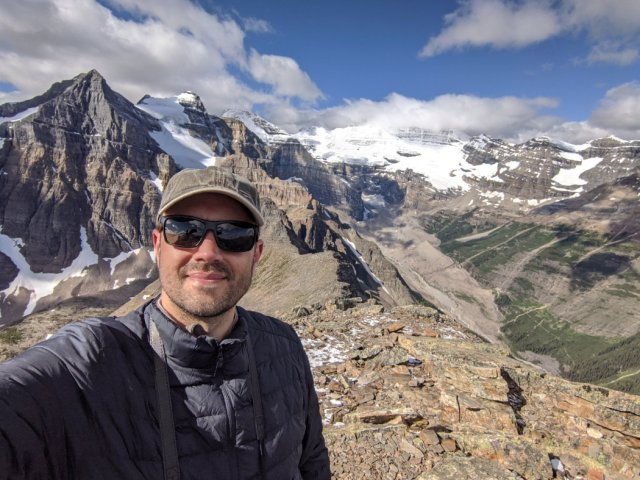 Marc from Fairview Mountain - Mount Victoria and the Plain of Six Glaciers path below