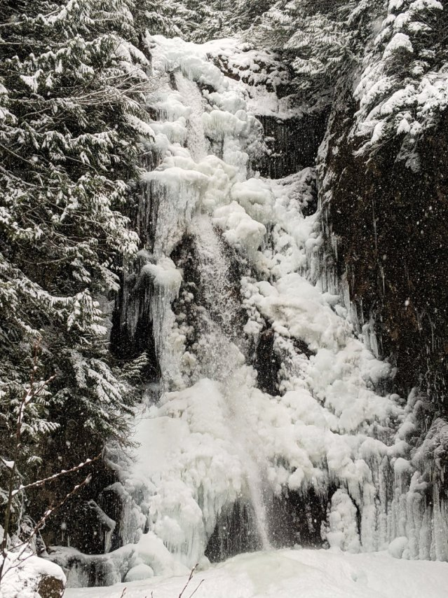 Ice covered Norvan Falls close up