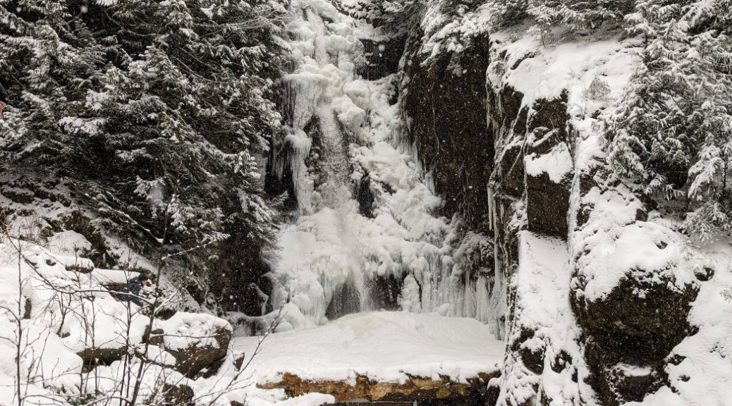 Norvan Falls in the snow