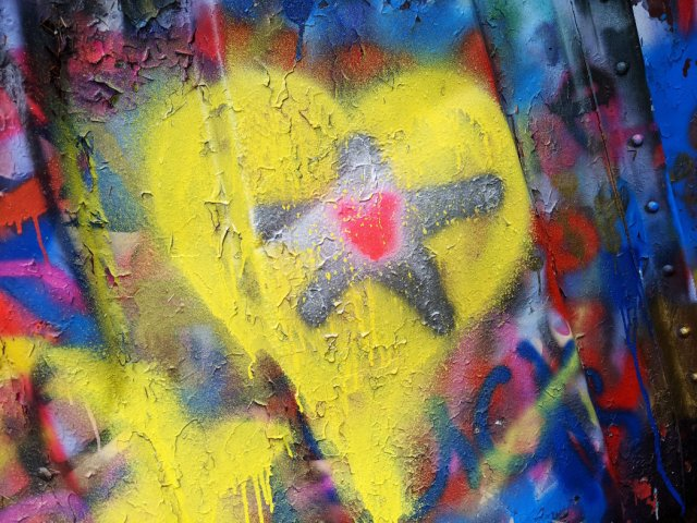 Graffiti heart on the wreck