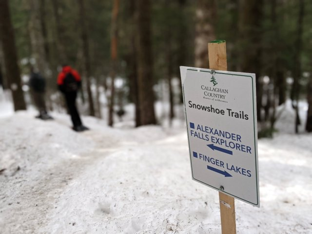 Snowshoe trail signs