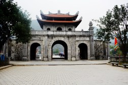 HOA LU TRAVEL GUIDE