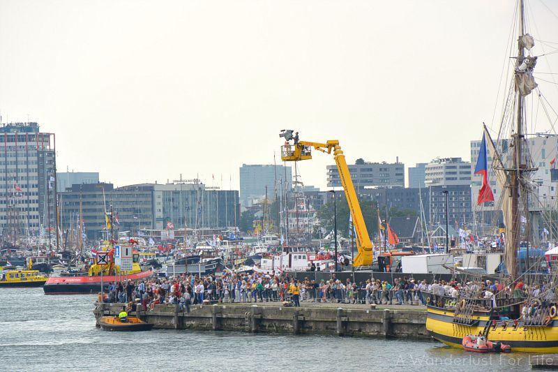 sail crowd