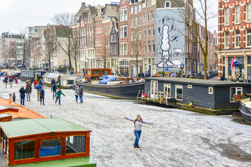 Walking on the Amsterdam canals