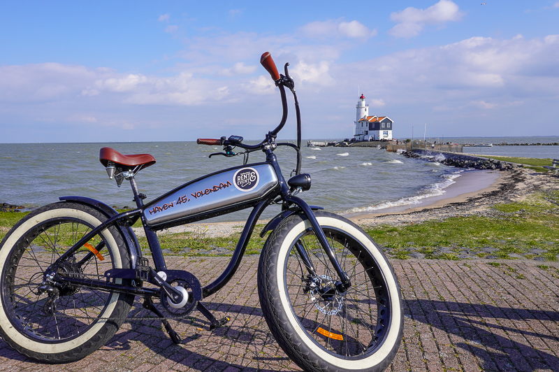 cycling to Marken