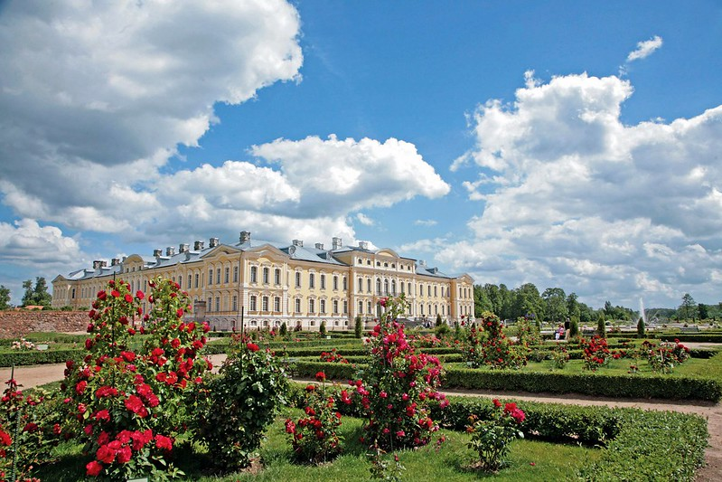 Edole Palace