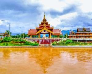 Nanla River - Mengla Town (南腊河 勐腊 - Nanla He Mengla)