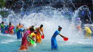 Water festival Xishuangbanna, Mengla. Photo taken from blog.sina.cn