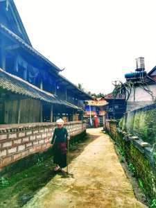Old Dai lady in Manhe Village (曼贺 - Manhe). Mengla county