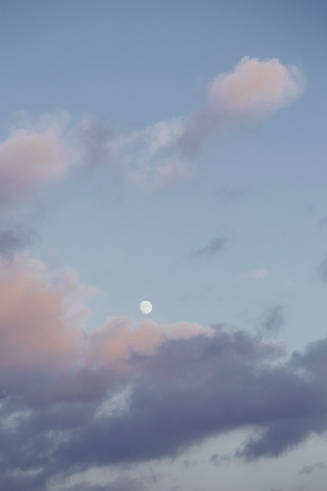 moon in pink pastel clouds /// www.awayofseeing.nl