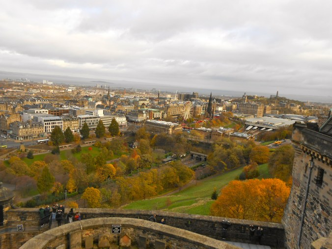 calton-hill-edinburgh-castle-view.jpg