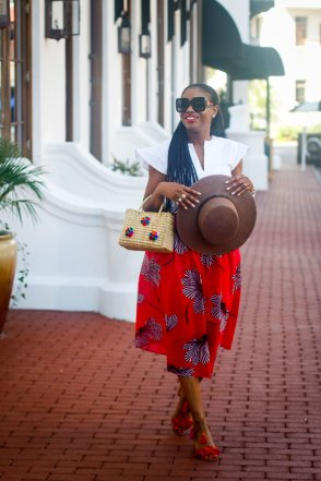 EXPLORING THE BEACH TOWN IN EYELET AND PINK