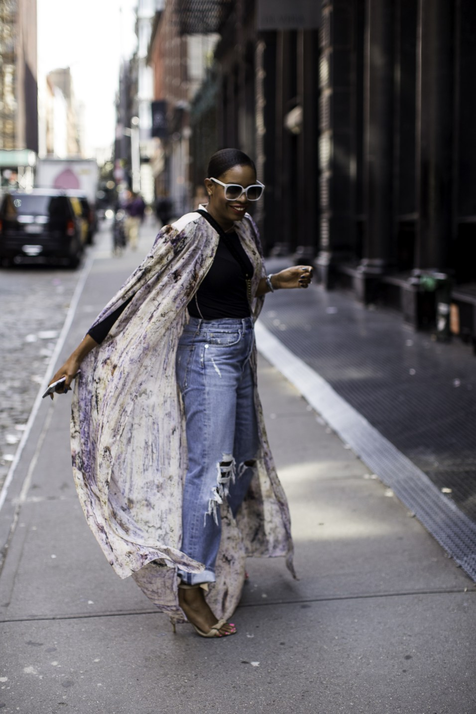 How to style a long kimono and ripped jeansfor fall and NYFW | Awed by Monica | Atlanta Lifestyle & Fashion Blog-6