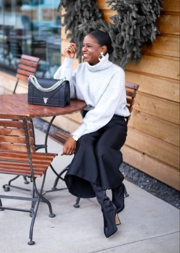 H&M grey chunky sweater worn with a black culottes by Atlanta style blogger and diorama bag-2