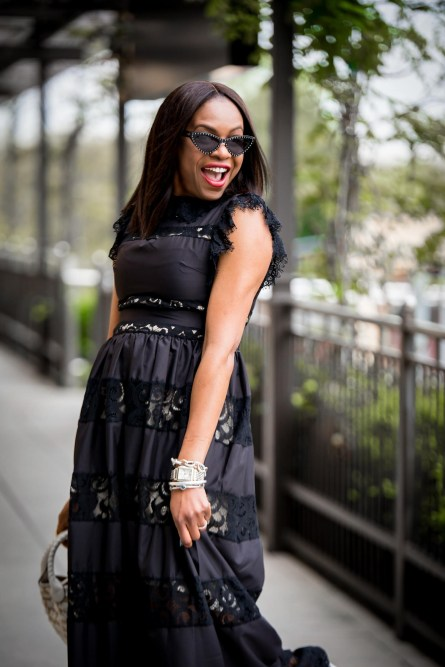 how to style a black dress for summer-18
