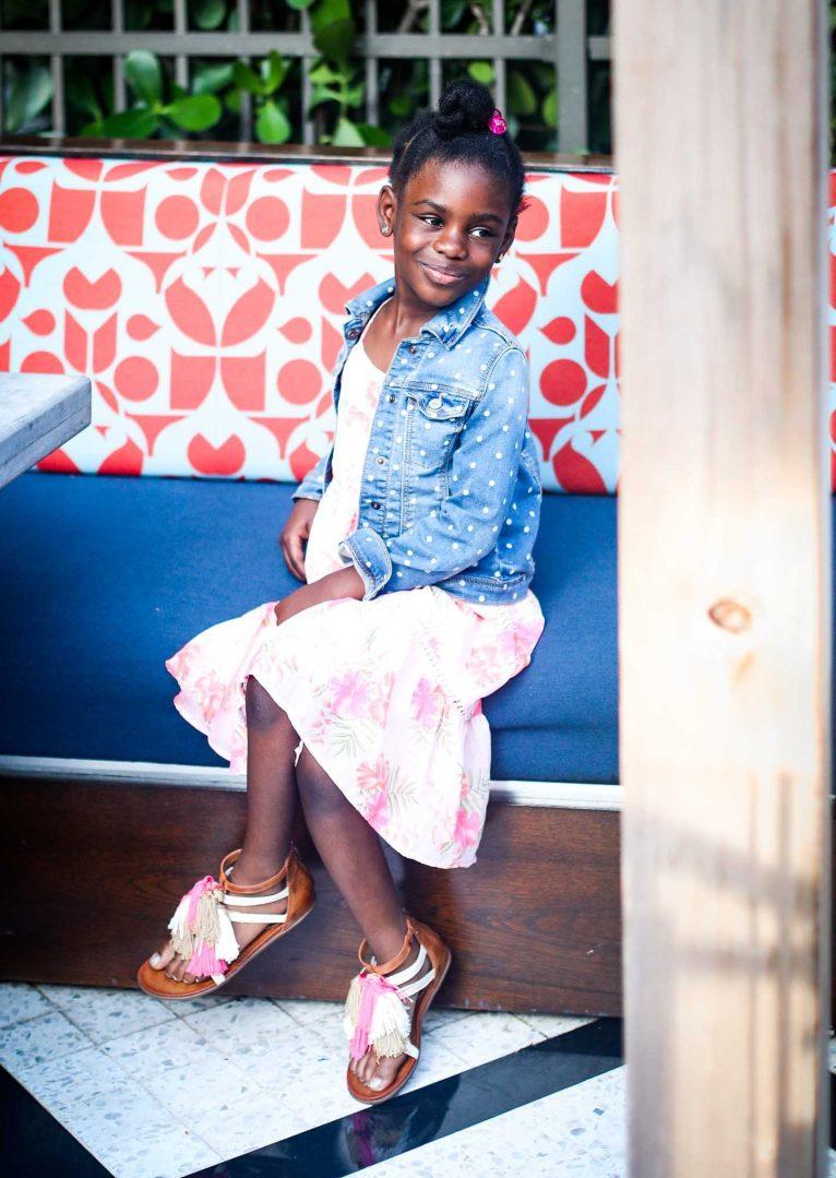 Atlanta blogger in Vince Camuto black sandals and black bag-9