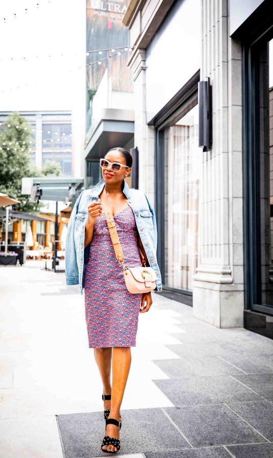 Lifestyle blogger Monica Awe-Etuk of Awed by Monica wearing J.Crew floral dress, denim jacket and black suede sandals for fall fashion_-10