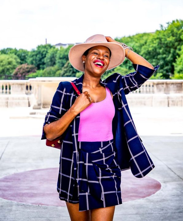 Fashion blogger Monica Awe-Etuk of Awed by Monica wearing a plaid suit from nordstrom, pink flats, a pink hat and a SENREVE bag for fall fashion_-10