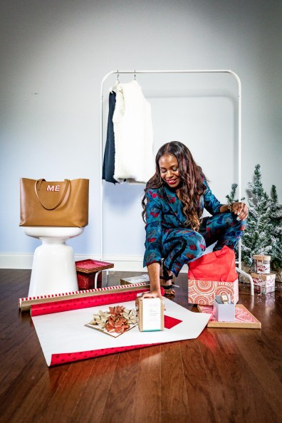 Atlanta lifestyle blogger Monica Awe-Etuk takes a cue from Oprah, and givesaway her favorite things. wearing lafayettle148 suit, michele watch and alexandre birman shoes-18
