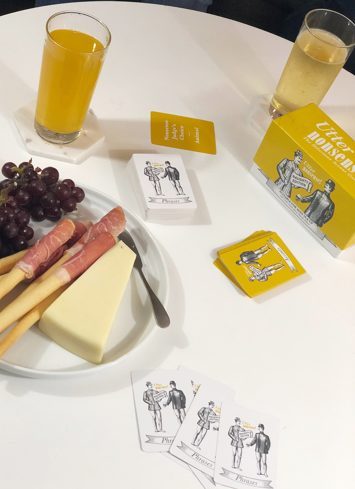 Host a game night tonight! My tips for a super simple game night. | A Well Crafted Party