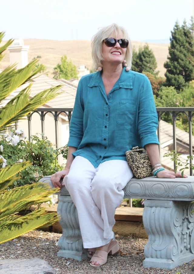 Jennifer Connolly of A Well Styled Life wearing linen from Artful Home