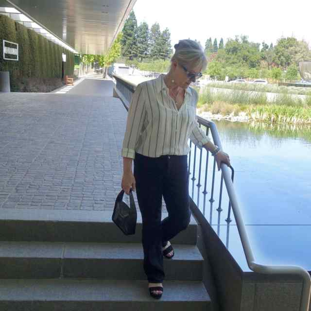 Jennifer Connolly of A Well Styled Life wearing LILYSILK striped shirt