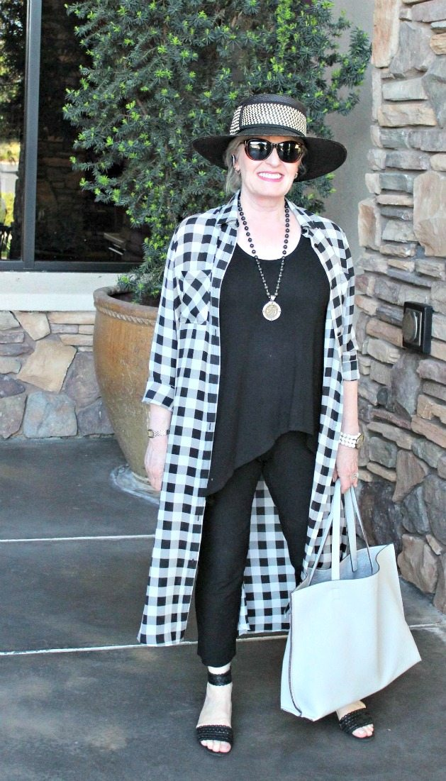 Jennifer Connolly of A Well Styled Life wearing a column of black with silk duster