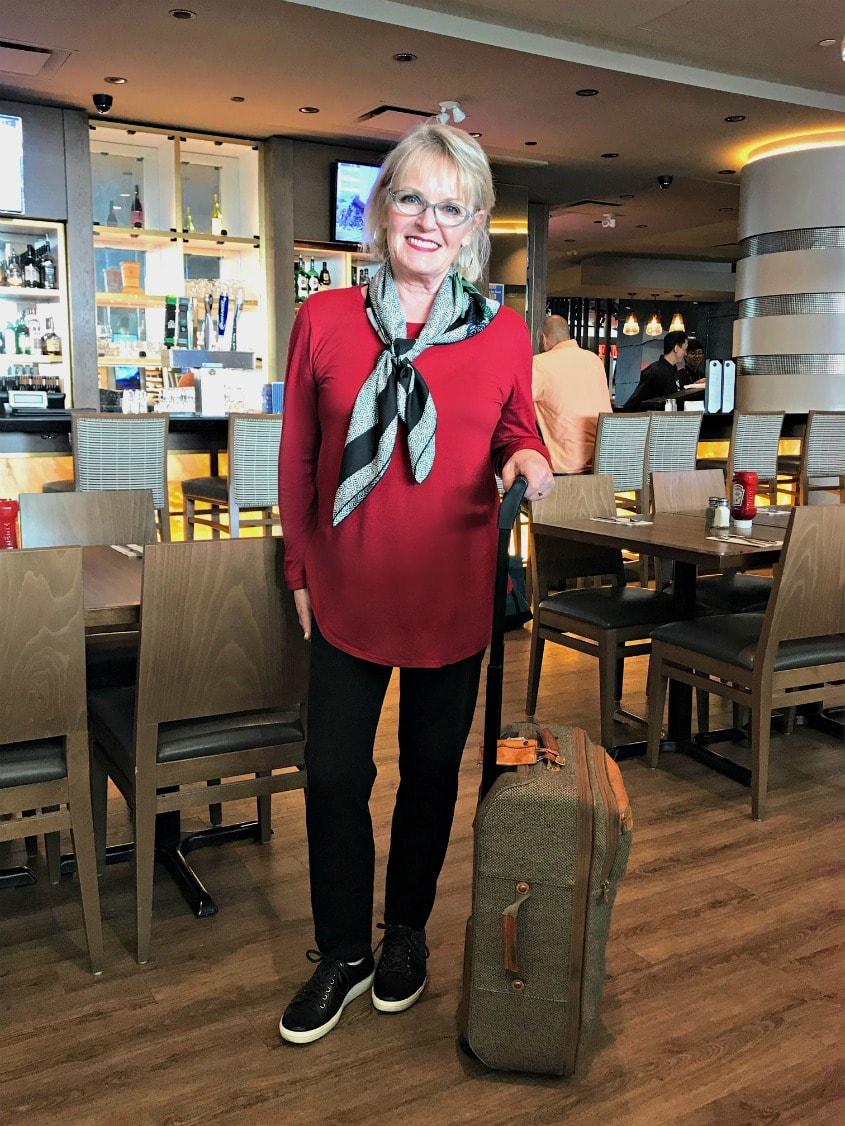 Jennifer Connolly dressed for a long international flight