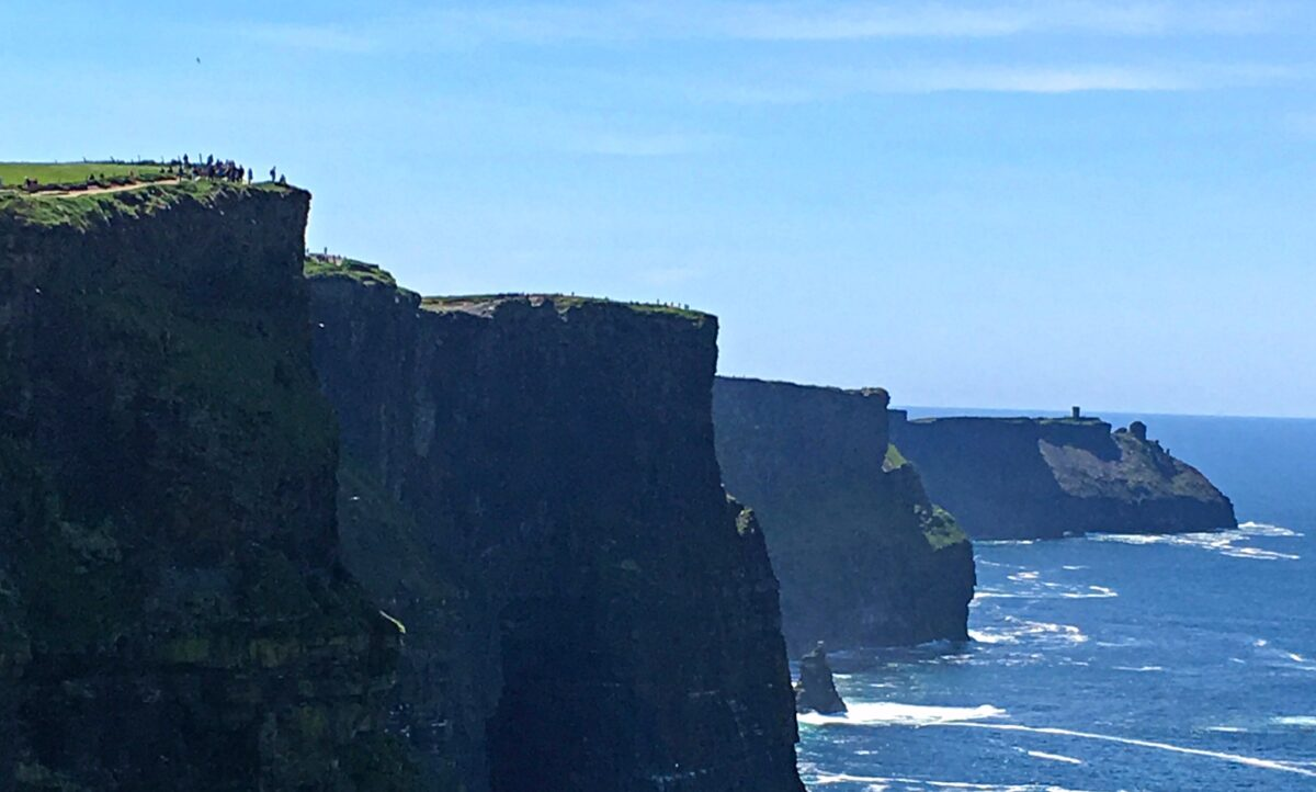 The bestscenic drives inIreland - Cliffs of Moher