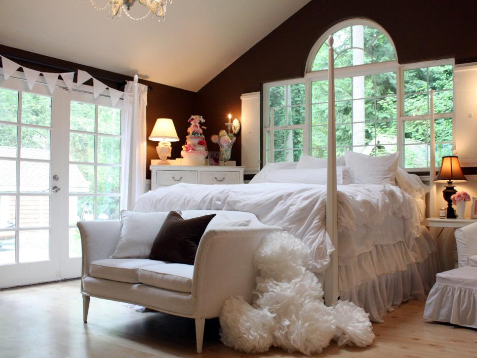 11 Awesome And Trendy Bedroom Ideas For Your Relaxation ... on Trendy Bedroom Ideas  id=25666