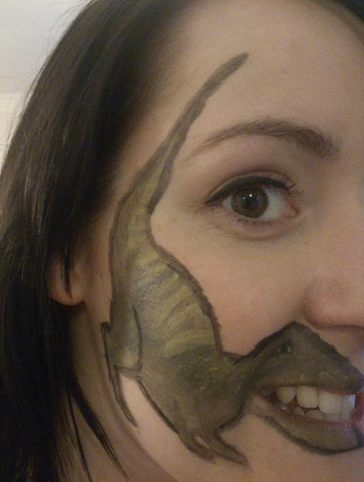 dinosaur-face-paint-silly-things-bored-people-do