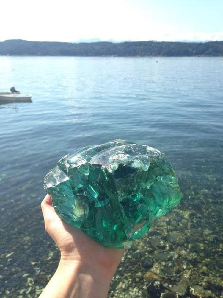 slag-glass-amazing-proofs-that-internet-can-solve-anything