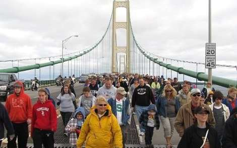 Top 10 Tourist Tips: The Straits Of Mackinac