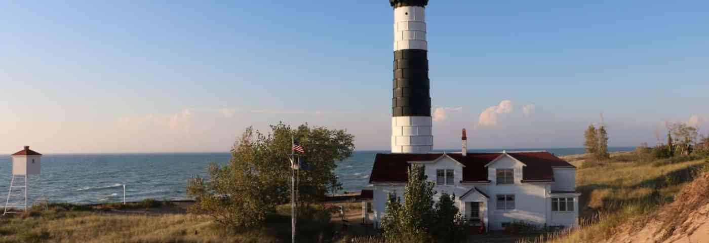 Michigan Bucket List: 6 Lighthouses Perfect For An Adventure
