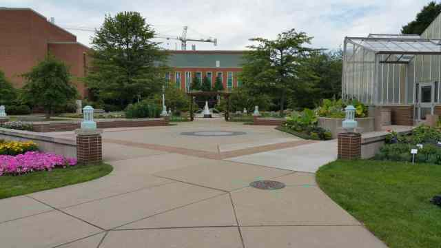 Hort Gardens - #MittenTrip Lansing - The Awesome Mitten.