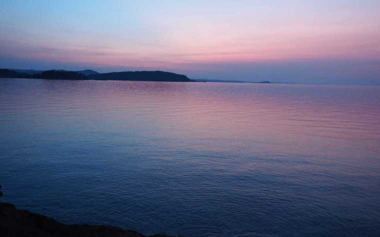 Lake Superior Sunset - #MittenTrip Marquette - The Awesome Mitten
