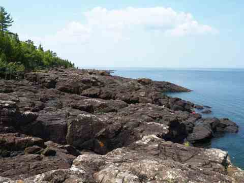 Black Rocks at Presque Isle Park - #MittenTrip Marquette - The Awesome Mitten