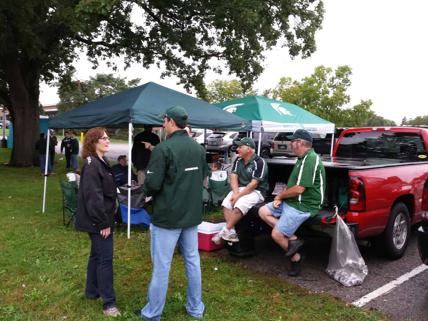A few canopy tents a portable grill and friends make the perfect tailgate. & Tailgate like a Michigander - Awesome Mitten