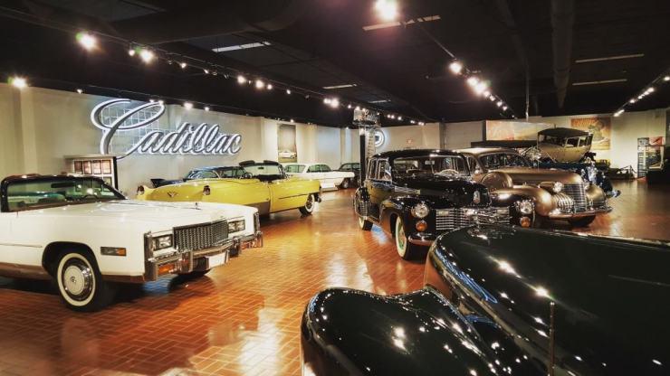 Cadillac Building - Awesome Mitten Kalamazoo #MittenTrip