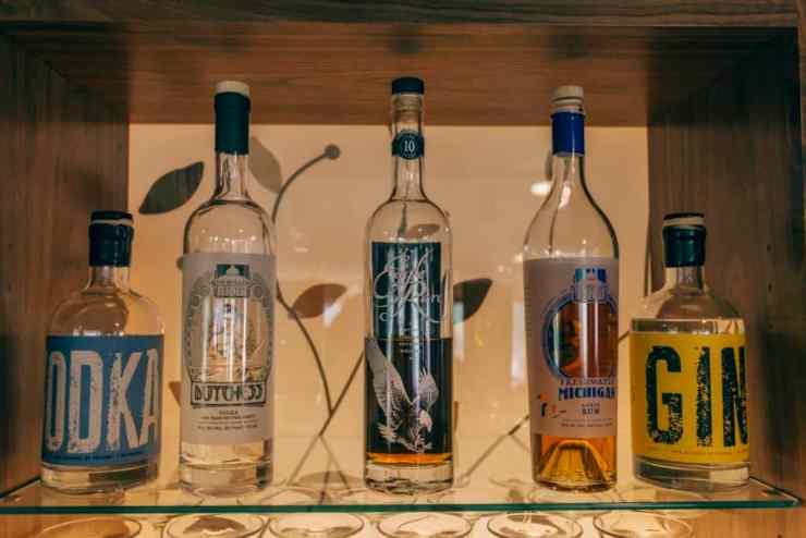 Se4sons Gastropub local spirits | Photo by Gideon Hunter