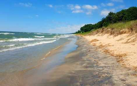 5 Lake Michigan Beaches Worth Taking the Plunge