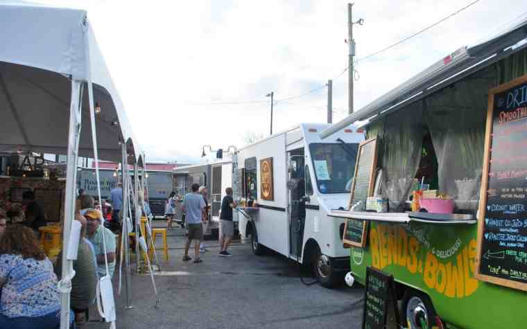 Traverse City Food Trucks - The Awesome Mitten