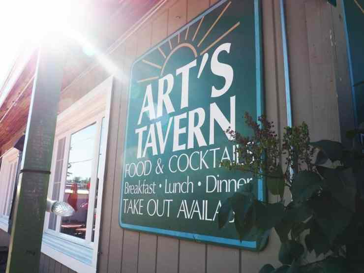 Art's Tavern is a staple in Glen Arbor and a must for any hungry traveler. Photo by John Kalmar