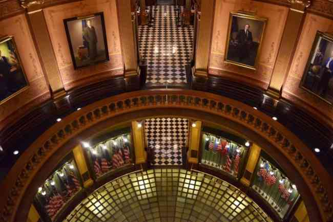 The Lion of Lansing: A Brief History Of Michigan's Capital Building - The Awesome Mitten