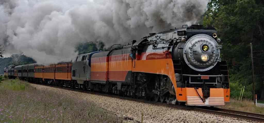 7 ways to tour michigan on a historic train