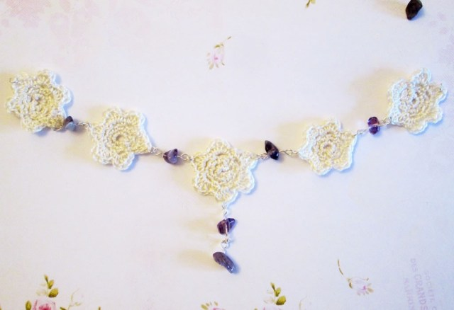 crocheted flower necklace tutorial