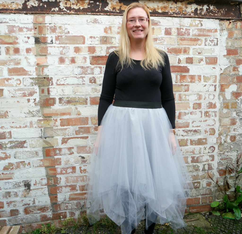 How to make a tulle skirt with a hanky hem