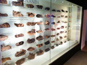 Afb. 10. Leren schoenen in Vindolanda museum.
