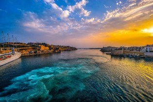 La Valletta sunset- Why You Should Definitely Visit Malta in Winter - A World to Travel